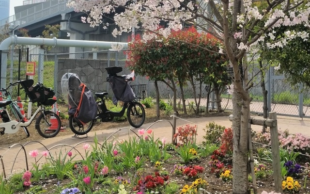 チャイルドシートが付いた電動自転車