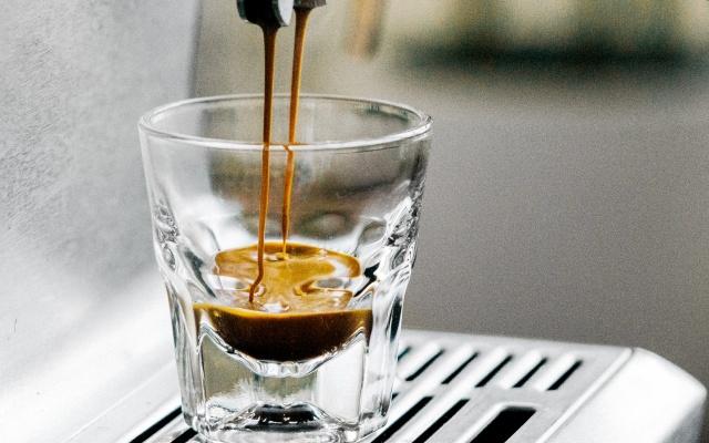エスプレッソタイプのコーヒーメーカー