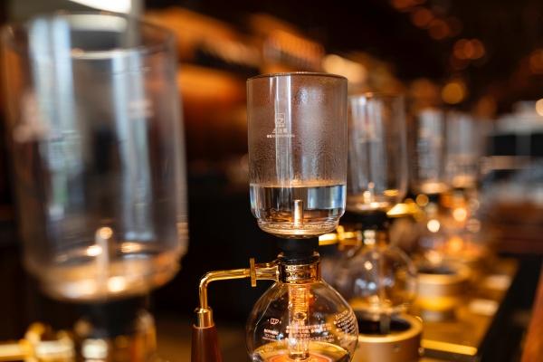サイフォンタイプのコーヒーメーカー
