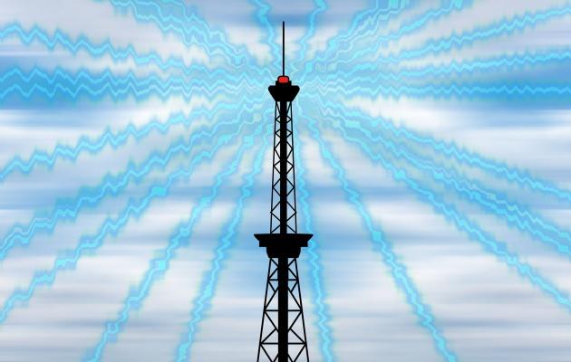 ラジオ電波を発する電波塔