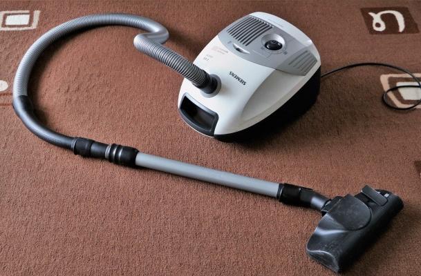 キャニスター式掃除機