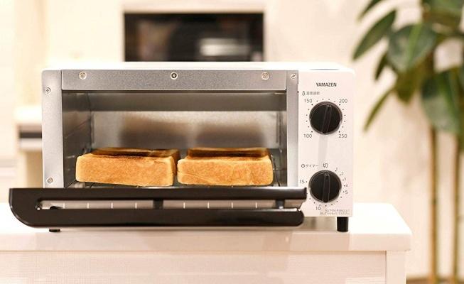 周りに何もないオーブントースター