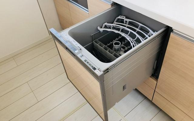 ビルトインタイプの食器洗い乾燥機