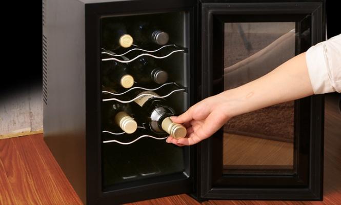 8本収納のワインセラー